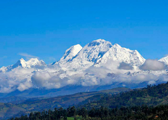 Tours Huaraz in the Andes 3 days